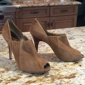 """GUESS Suede open toe shoes w wooden 4"""" heel"""